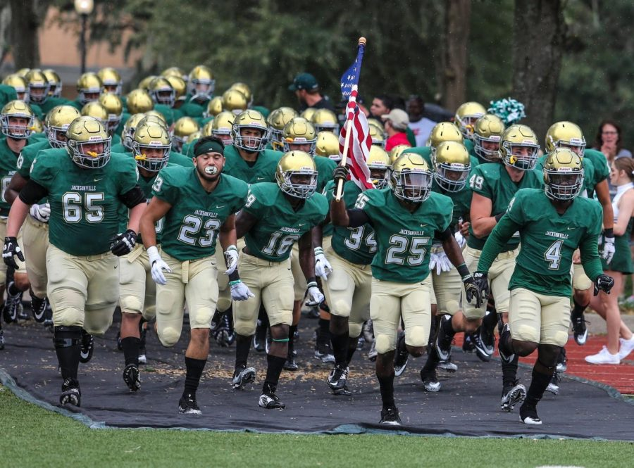 Saturday+September+30%3A+JU%27s+football+team+honors+veterans+before+home+game+against+Guilford+College.